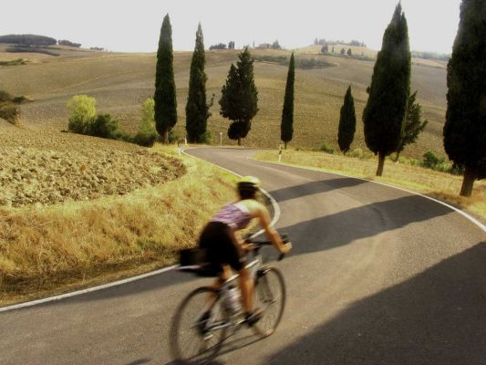 Ciclyng Tuscany - Ciclismo in collina - Hotel I Ginepri